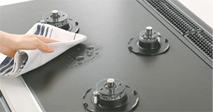 拭き掃除がしやすいアルミにテフロン加工の天板